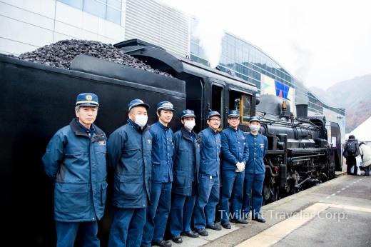 釜石駅 SL 機関士さん
