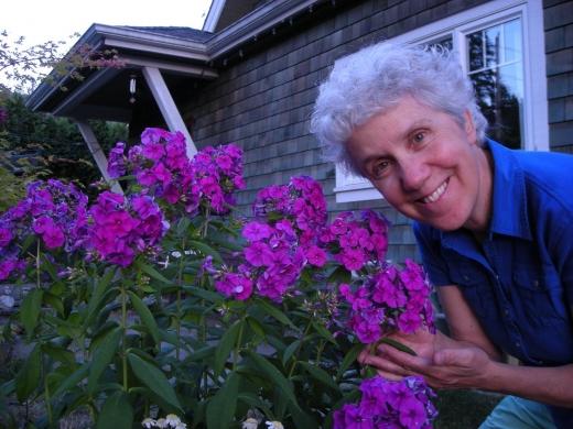 Bonnie In The Garden July 24th 2008 005.JPG